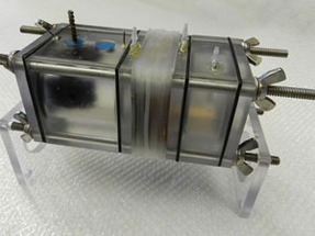 fuel-cell-makes-water-and-electricity